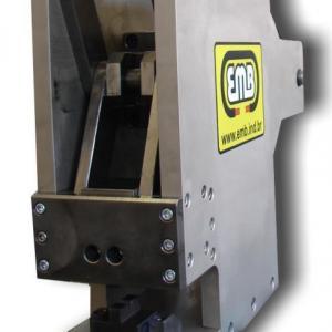 Máquina de crimpagem automática